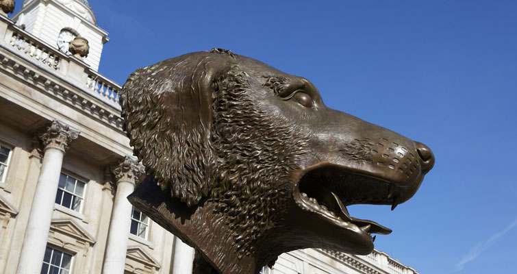 Ai Weiwei, Circle of Animals / Zodiac Heads. Un particolare dell'installazione alla Somerset House, di Londra - Photo Marcus Ginns, courtesy Somerset House