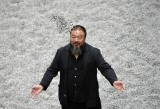 Ai Weiwei fra i semi di girasole