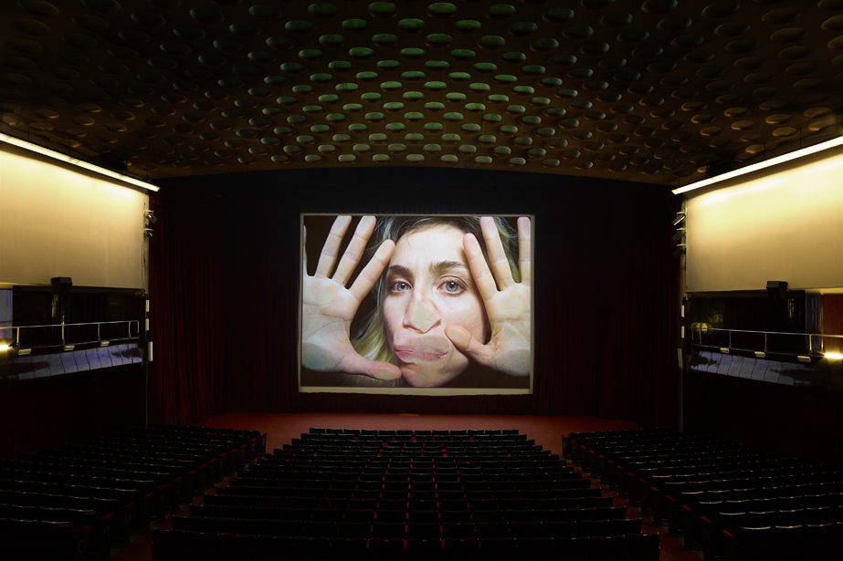 Pipilotti Rist - Open My Glade, 2000, video installazione, allestimento al Cinema Manzoni, Milano (photo Marco De Scalzi, Courtesy l'artista e Hauser & Wirth)