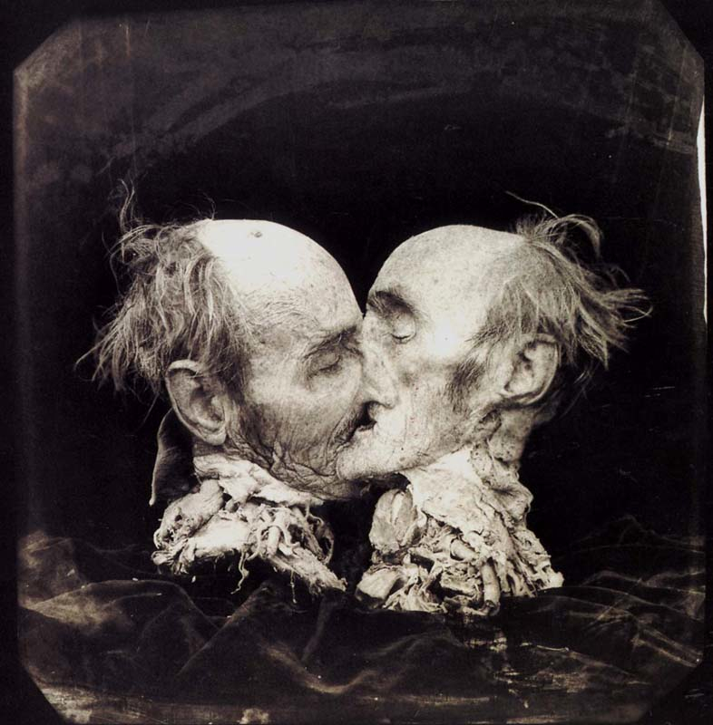 Joel Peter Witkin - Le baiser - New Messico, 1983 - fotografia