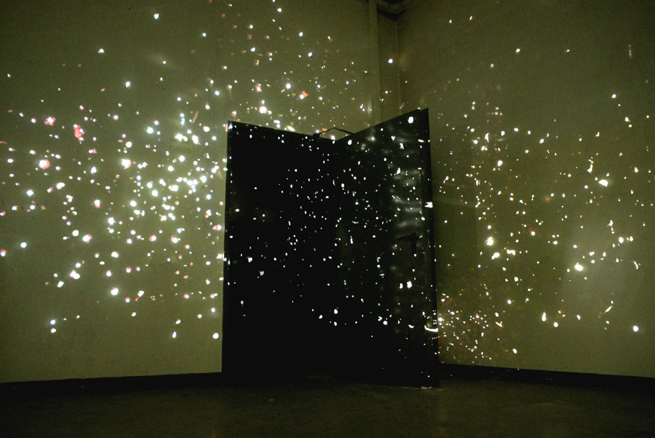 Federico Pietrella, 7 January 2012, 2006-2012, slide projectors, perforated slides, 24 hours a day, Berlin, courtesy of the artist and Paolo Maria Deanesi Gallery