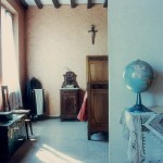 Luigi Ghirri - Masone  Casa Benati, 1985  serie Paesaggio italiano - project print - 9.4 x 10.8 cm -  Eredi di Luigi Ghirri - Courtesy Fondo di Luigi Ghirri