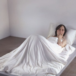 Art Digest: Anche la Whiteread corre alle Olimpiadi. Maurizio Cattelan: App. Que viva Ron Mueck