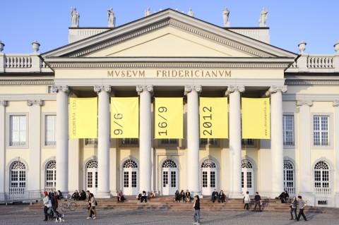 Il Fridericianum, sede centrale di dOCUMENTA Kassel – photo Nils Klinger