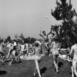 Bill Owens - Leisure: Americans At Play Series - 1973/1980 - Volleyball, 1977