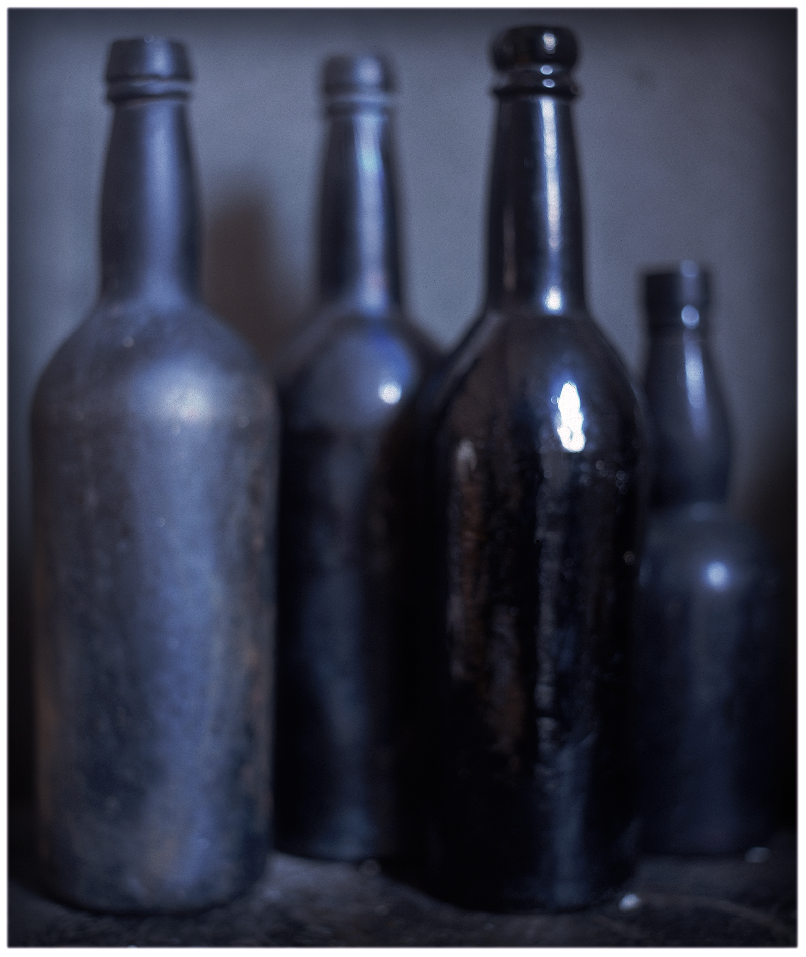 Craigie Horsfiled - Four Bottles, Blue, 2003 - 2008 - courtesy Galleria Monica De Cardenas, Milano
