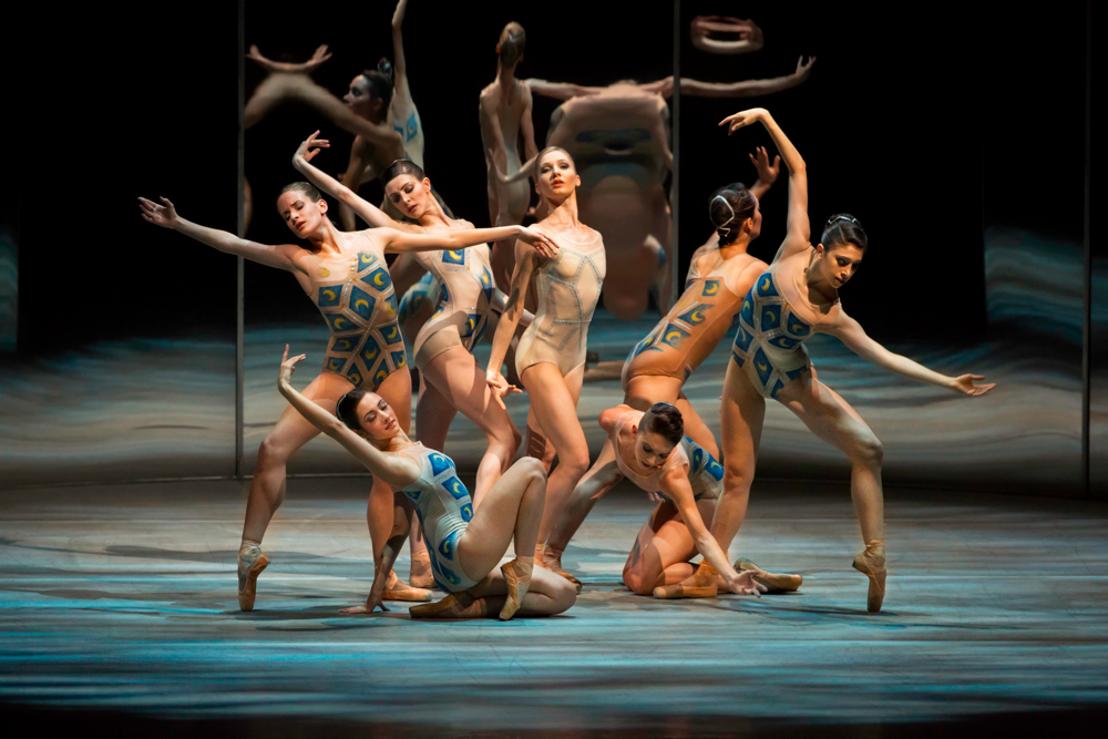 Melissa Hamilton e il Royal Ballet in Trespass - photo Johan Persson