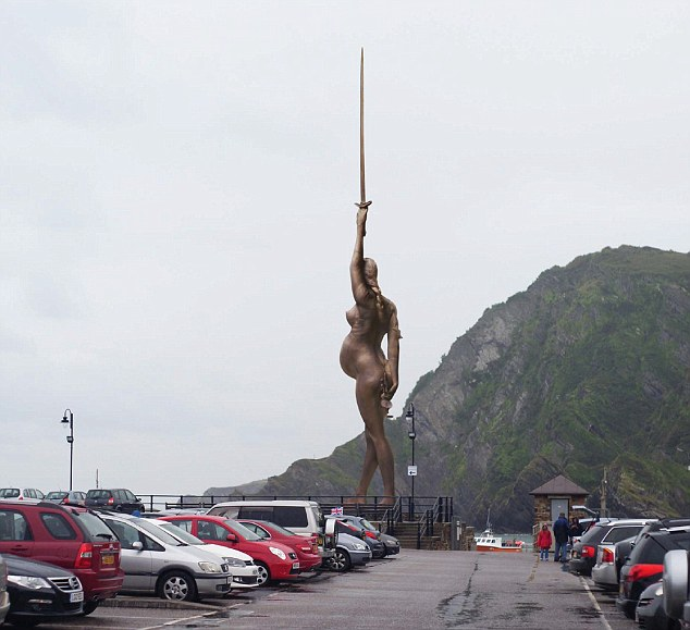 Fa discutere a ilfracombe il nuovo angel of the west for Discutere it
