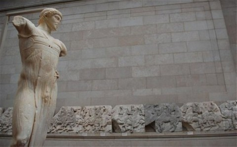 LAuriga di Mozia, esposto al British Museum nella sala del Fregio del Partenone (foto Telegraph)