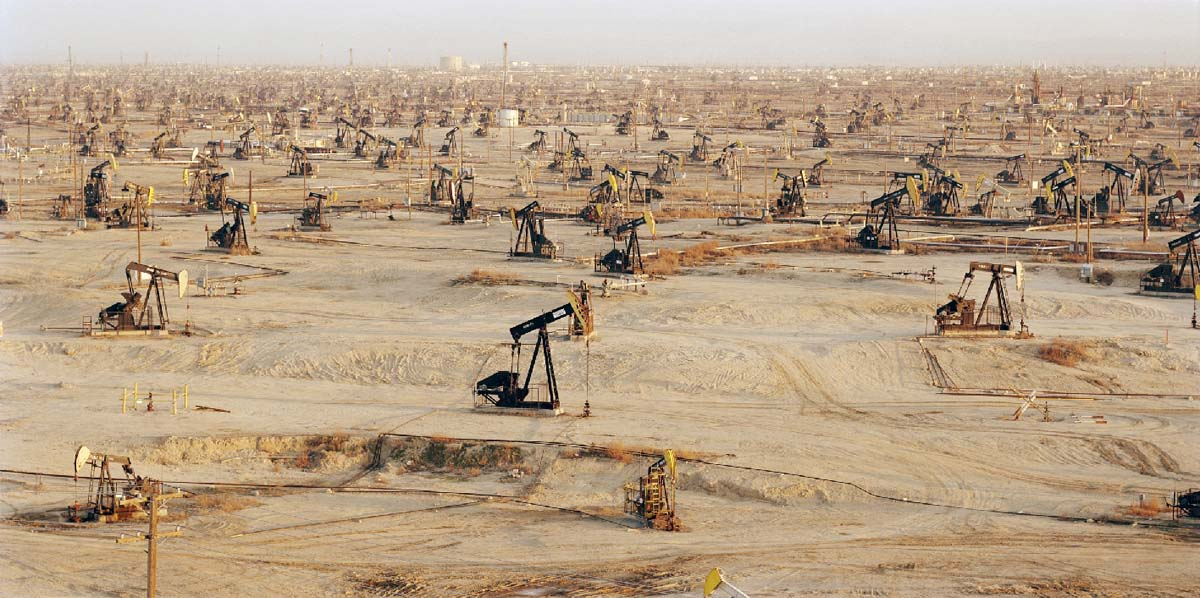 Edward Burtynsky - Oil Fields #1