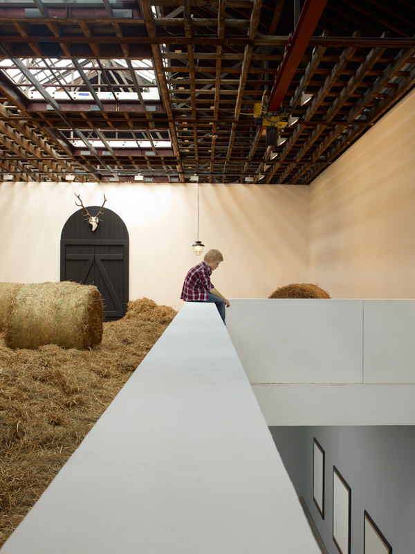 Elmgreen & Dragset, Harvest, 2012, installation view - courtesy gli artisti e Victoria Miro Gallery, Londra