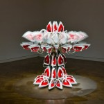 Joana Vasconcelos - Full Steam Ahead (Red #1), 2012 (foto Unidade Infinita Projectos, courtesy Haunch of Venison)