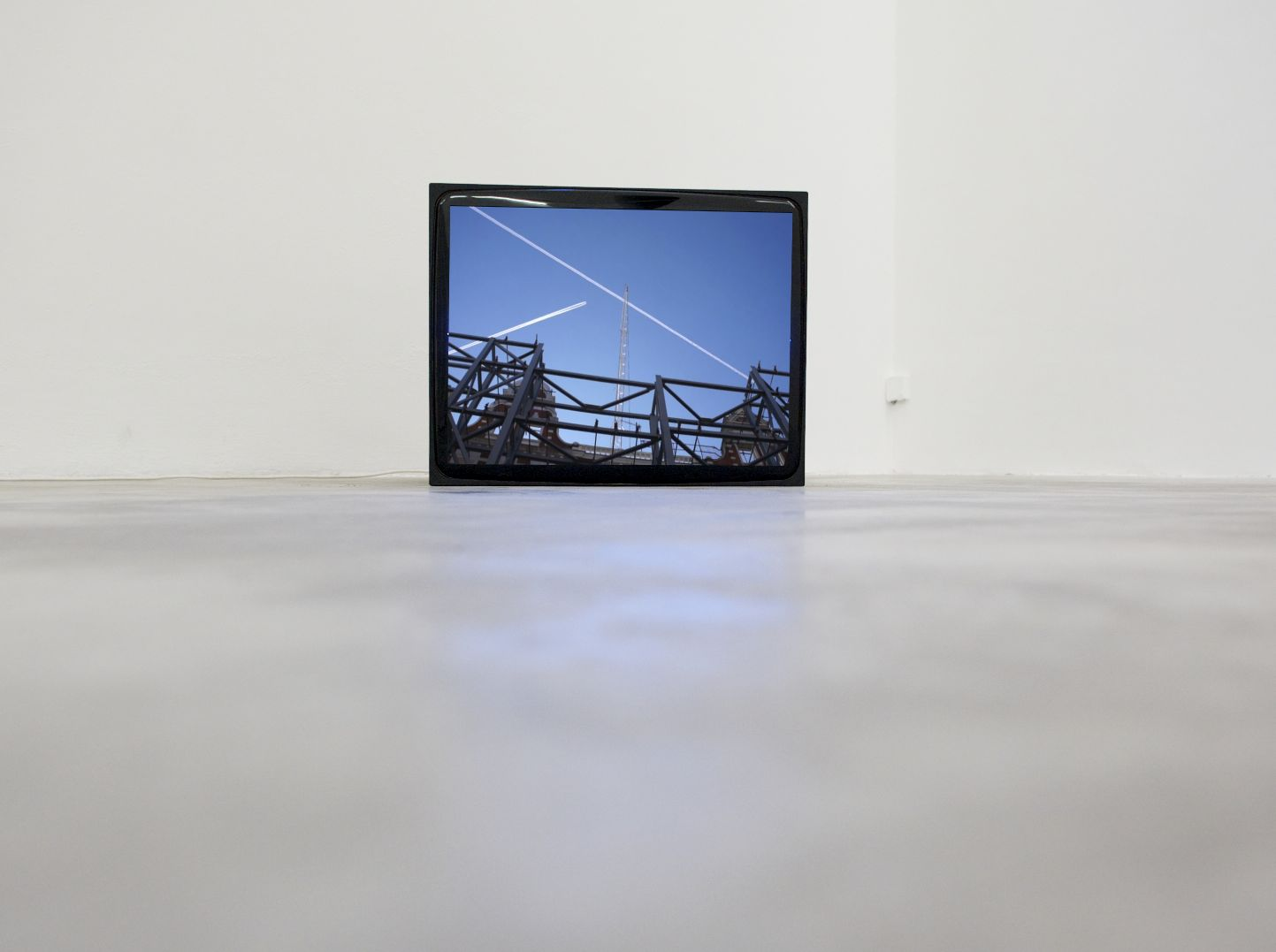 Graham Hudson - Dissection of an unknown area by two equal lines - 2012 - Monitor, Roma 2012