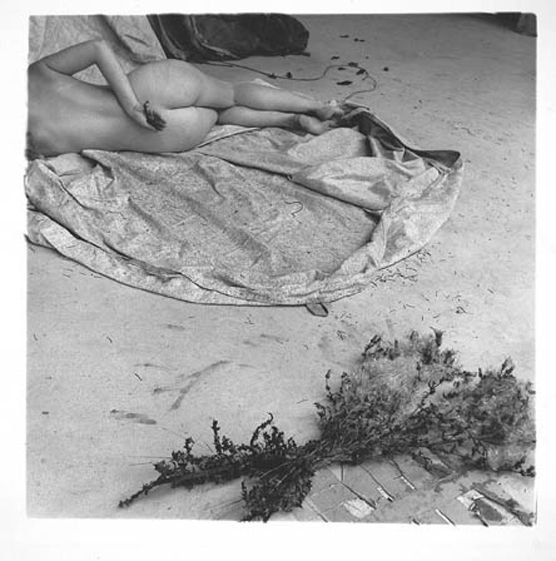 Francesca Woodman - P051.1 Untitled - Providence, 1975-78 - courtesy Galleria Massimo Minini, Brescia