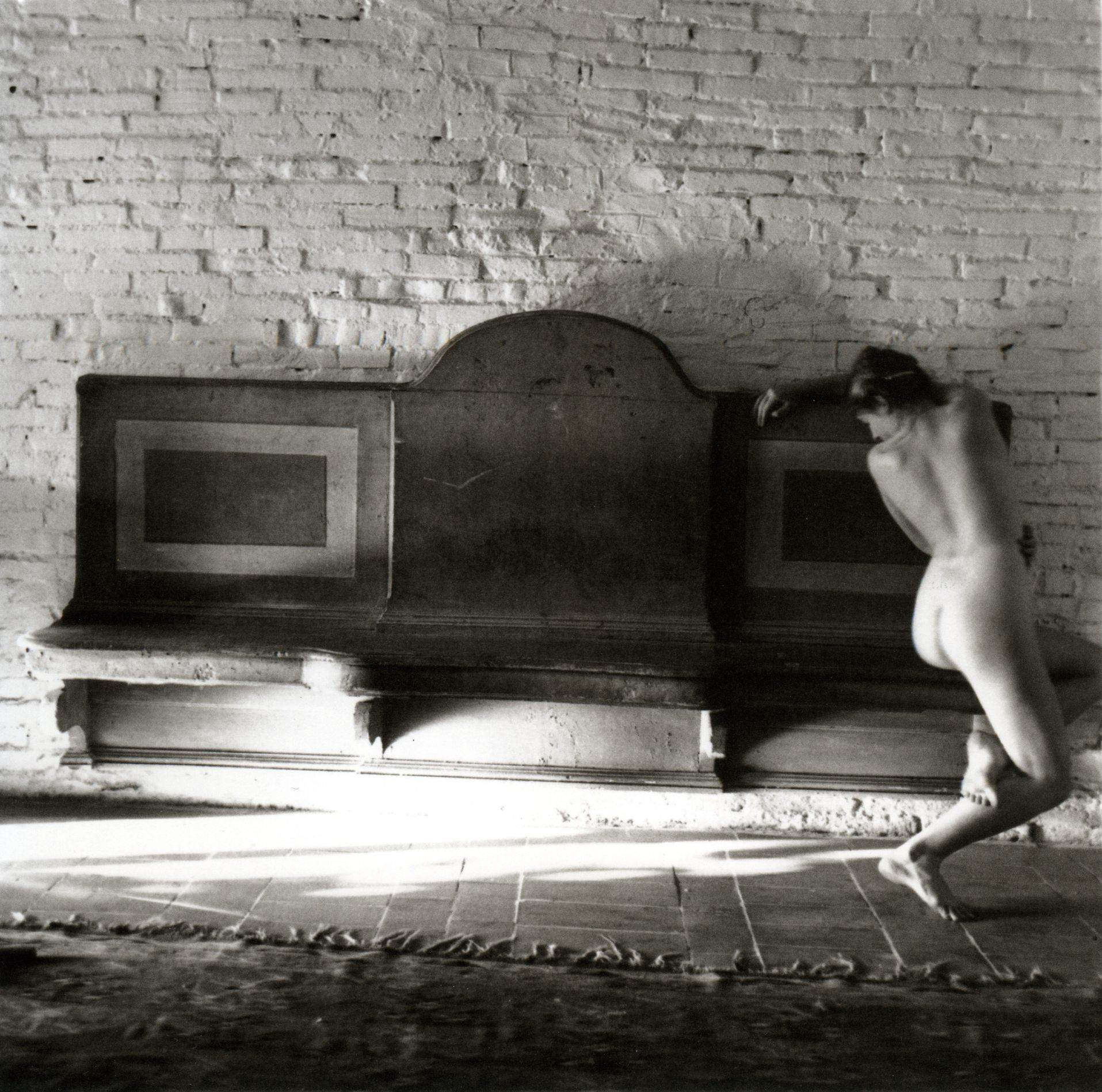 Francesca Woodman - Similex. Untitled - Antella, 1977-78 - courtesy Galleria Massimo Minini, Brescia
