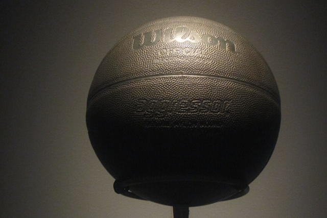 Jeff Koons - Basketball - 1985