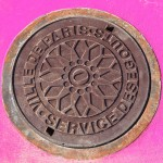 Manhole (Paris) - photo Superflex