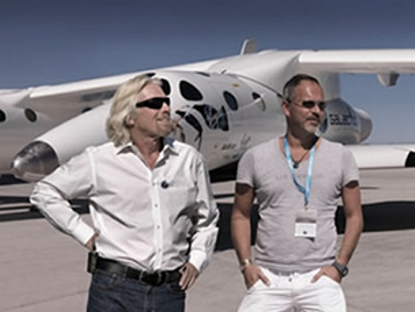 Richard Branson con Michael Najjar  (foto Virgin - Michael Najjar)