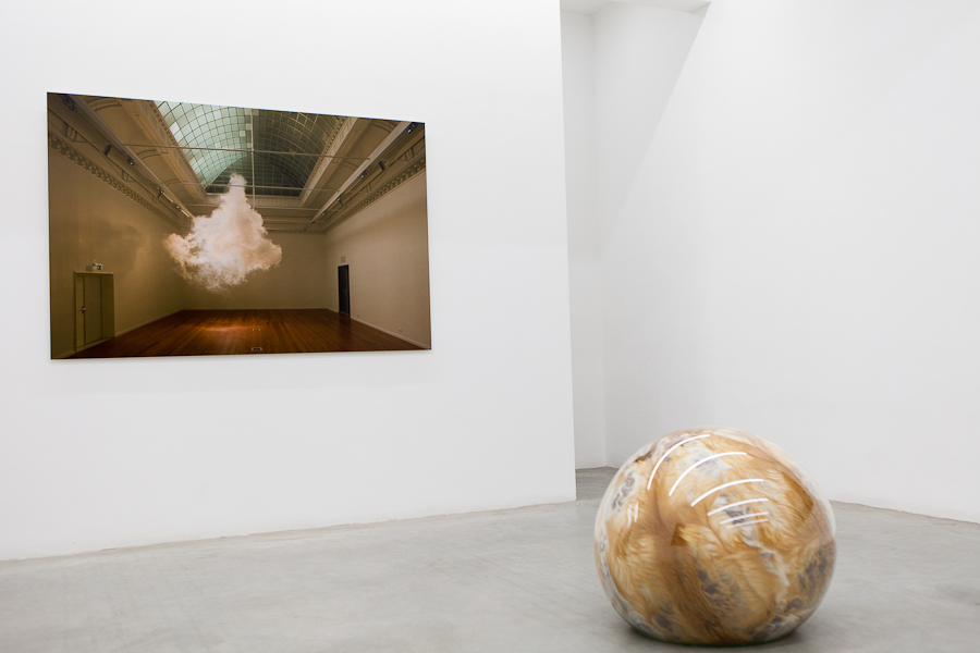 Installation image, The Uncanny Adeline de Monseignat and Berndnaut Smilde, Ronchini Gallery, photo Susanne Hakuba (18)