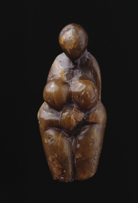 Female figure sculpted from steatite. Found at Grimaldi, Italy, about 20,000 years old. Musee d'archeologie nationale. Photo RMN/Jean-Gilles Berizzi.