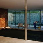 Jeff Wall, Morning Cleaning, Mies van der Rohe Foundation, Barcelona, 1999 - Courtesy dell'artista
