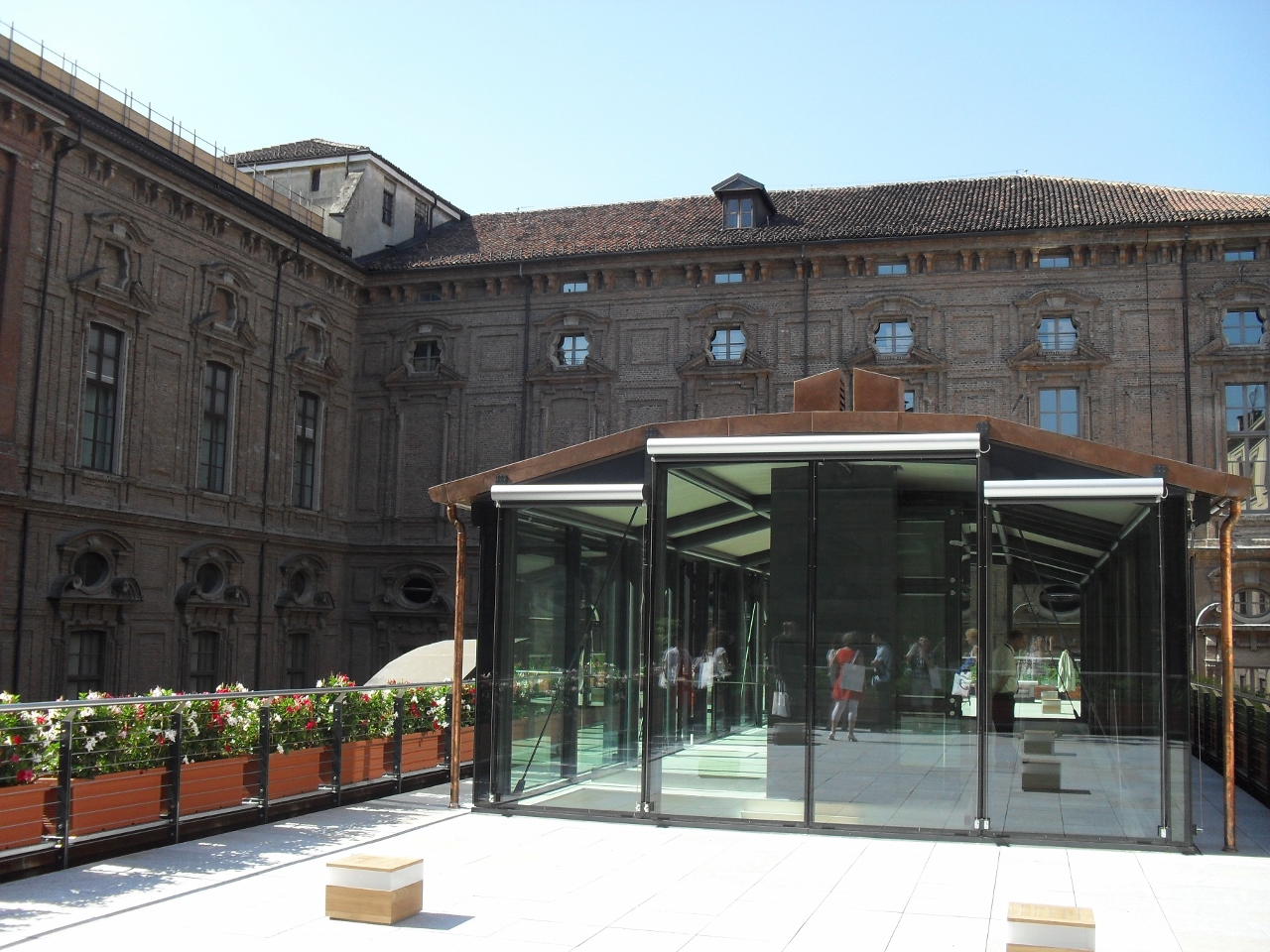 Roof garden al terzo piano del museo egizio artribune for Roof garden milano