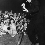 Frank Driggs Collection  Getty Images (Elvis Presley Performs In Concert)