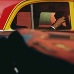 Saul Leiter, Taxi, 1957, Stampa Cibachrome, 27,9 x 35,4 cm, © Saul Leiter. Courtesy Howard Greenberg Gallery, New York
