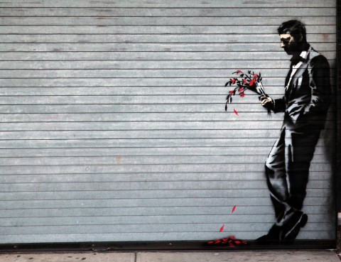 Waiting in vain at the door of the club, il nuovo Banksy post-STOP