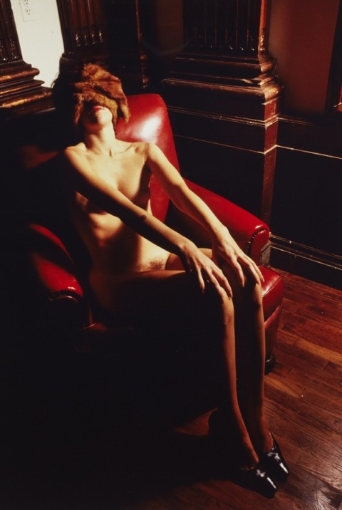 Jimmy De Sana, Mink Stole, c. 1980 - Courtesy Wilkinson Gallery, Londra and the Estate of Jimmy De Sana - Artissima 19