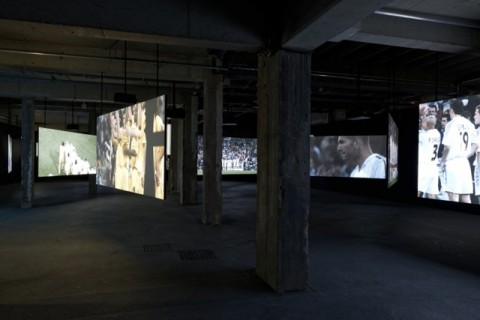 Philippe Parreno - Anywhere, Anywhere out of the World - veduta della mostra presso il Palais de Tokyo, Parigi 2013