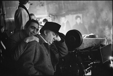 Giuseppe Rotunno e Federico Fellini sul set del Satyricon (1969) in una foto di Mary Ellen Mark