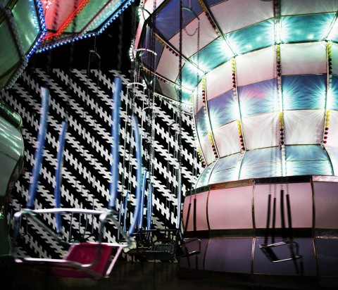Carsten Höller, Double Carousel with Zöllner Stripes - MACRO, Roma - courtesy Enel Contemporanea e l'artista