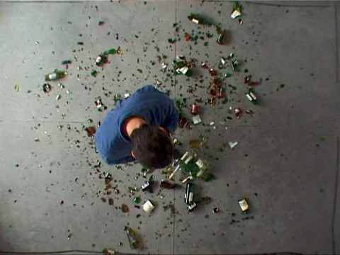 Michel François, Autoportrait contre nature (Self-Portrait Against Nature), 2002, video, courtesy carlier  gebauer, Berlino