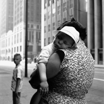 Chicago, 16 Giugno 1956 © Vivian Maier / John Maloof Collection / Howard Greenberg Gallery, New York