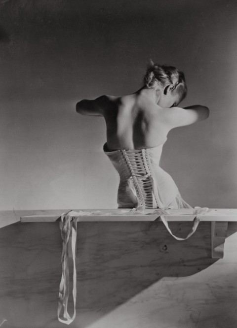 Corset by Detolle for Mainbocher, 1939 -® Conde Nast, Horst Estate