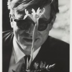 Dennis Hopper - Andy Warhol with flower 1963 - Courtesy of the Hopper Art Trust and Gagosian Gallery