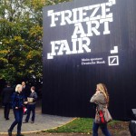 London Updates: primissime immagini live da Frieze Art Fair. E prime vendite, con Hauser + Wirth e Lehmann Maupin a gonfie vele già alla preview