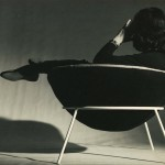 Lina Bo Bardi, Sitting on the chair, credits F.Albuquerque