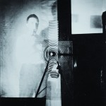 Man Ray – Duchamp behind the Rotary Glass Plates in motion, 1920-1961 – Collezione Kelly. Courtesy Sean Kelly, New York