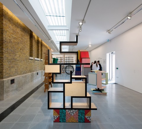 Martino Gamper, Design is a state of mind – veduta della mostra presso la Serpentine Sackler Gallery, Londra 2014 - © 2014 Hugo Glendinning