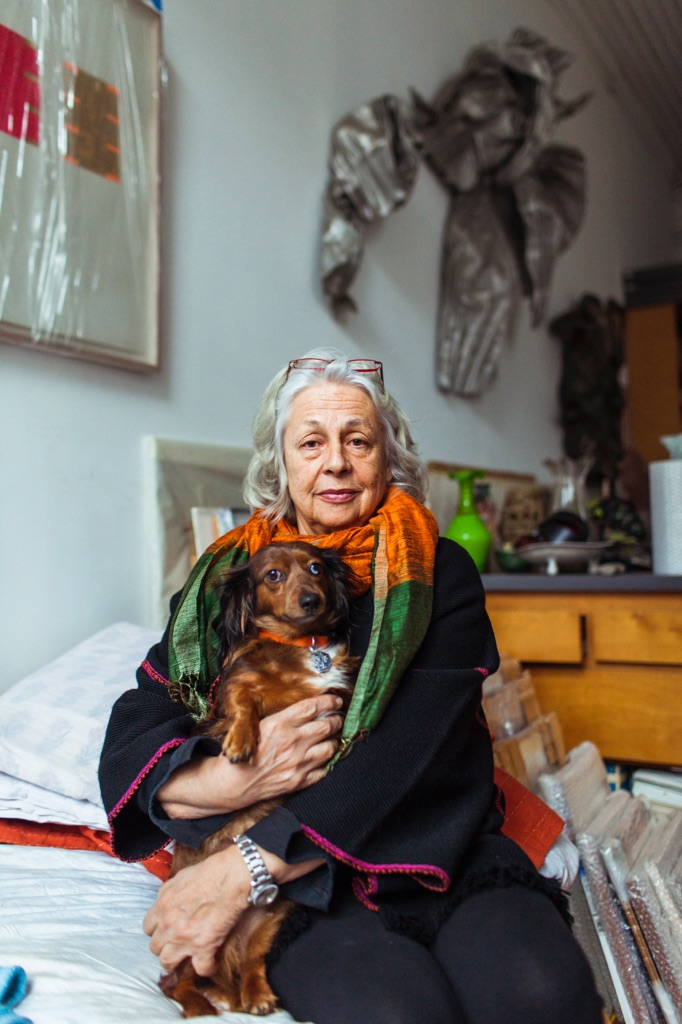 In the studio with Lynda Benglis with Pi, 2012 Photo Bryan Derballa. Image courtesy the artist and The Hepworth Wakefield