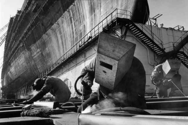 Saint Nazaire, 1959 (Construction du paquebot France) © Marc Riboud
