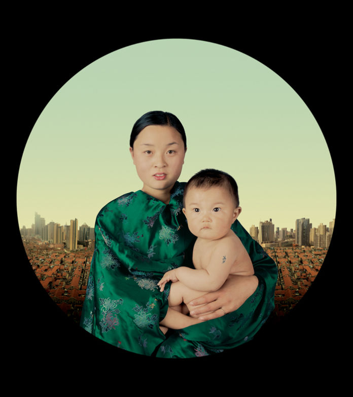 Gao Yuan, The year of the pig, 12 Moons, 110x112 cm, fotografia digitale su tela, 2009