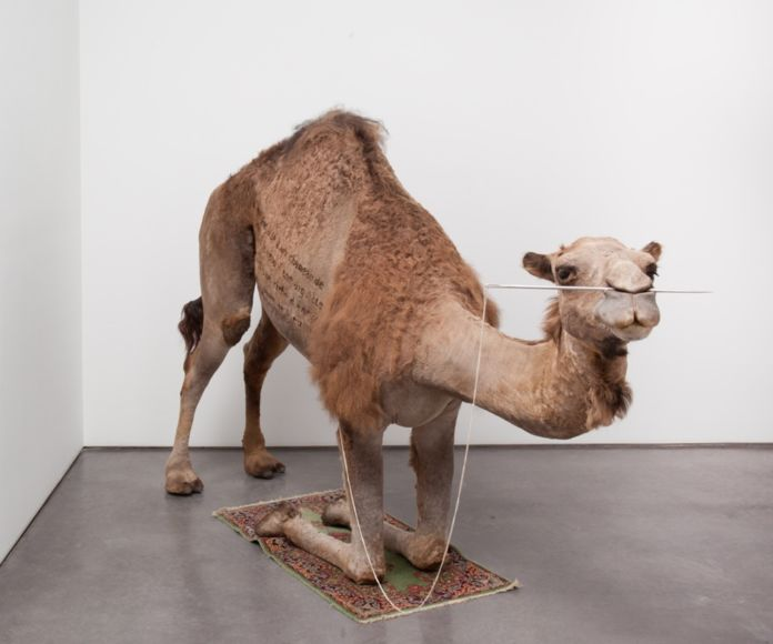 Huang Yong Ping, Camel, 2012 - courtesy dell'artista e Gladstone Gallery