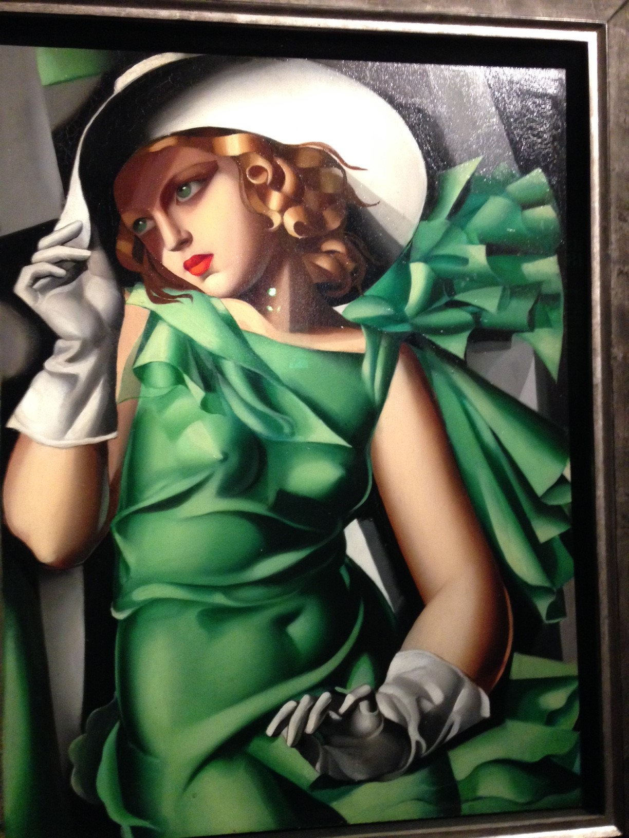 tamara de lempicka The gaviria palace is housing a solo exhibition of tamara de lempicka, the polish painter known for her art deco portraits of aristocrats and the wealthy.