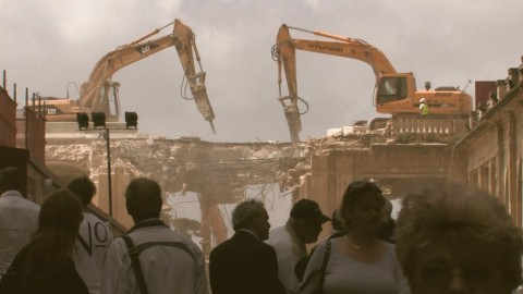 Bettina Hutschek, City Gate. Diary of a Demolition
