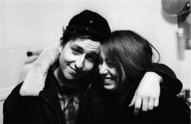 Bob Dylan con la fidanzata Suze Rotolo, gennaio 1962 - © 2015 Joe Alper Photo Collection LLC