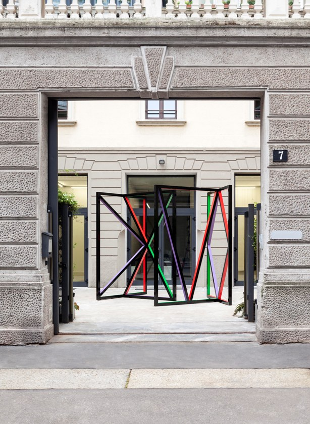 Eva Rothschild, Middle Temple, 2015 - Courtesy of the artist and kaufmann repetto, Milano:New York - photo Courtesy of the artist and kaufmann repetto, Milano:New York