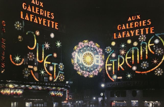 Léon Gimpel, Parigi, 1 dicembre 1933 - Luminarie delle Galeries Lafayette, Courtesy of the Collection Société française de photographie (SFP)